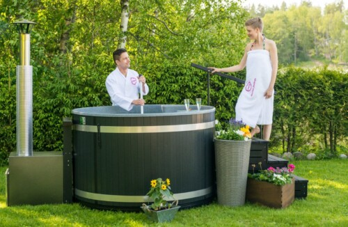 BLACK FRIDAY OFFER – SAVE £500 ON BREEZY M AND FAMILY M HOT TUB PACKAGES